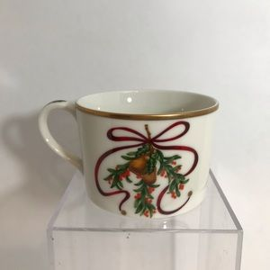 Royal Gallery Queensberry Holiday Cup Porcelain